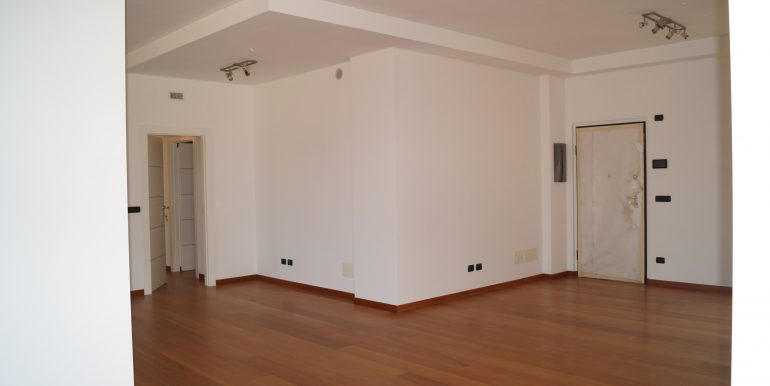 Penthouse for rent of 320 sq m with wide terraces in Gran Madre ...