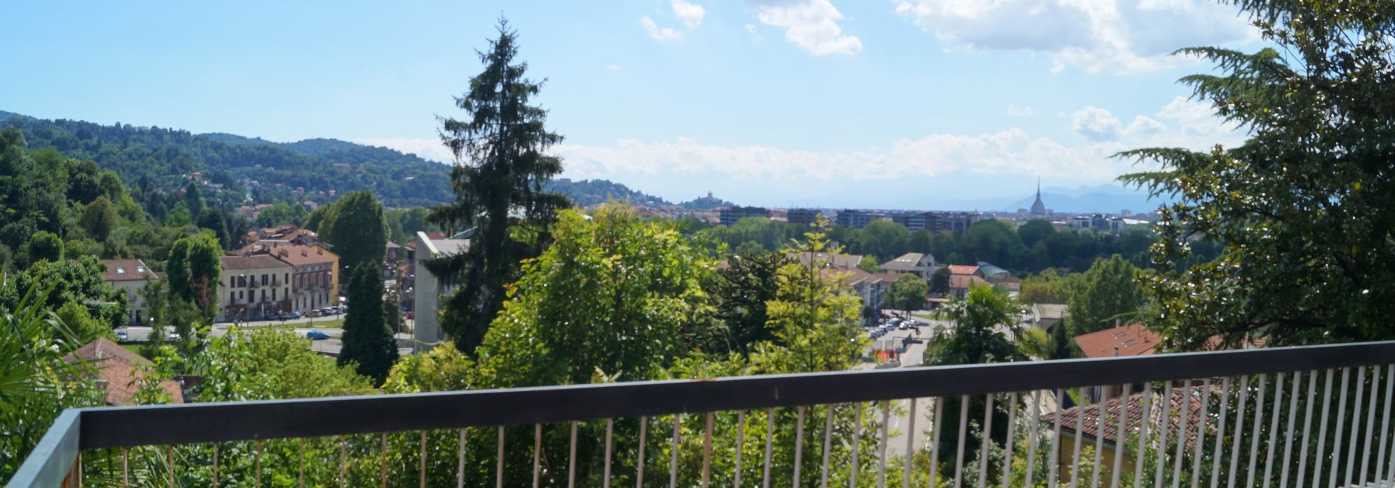 Turin – Villa Sassi area 400 sq m + private garden of 2750 sq m