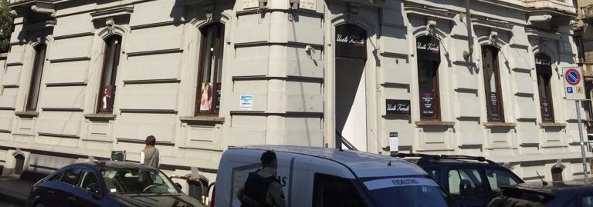 Negozio/Show – Room in via Cibrario in vendita